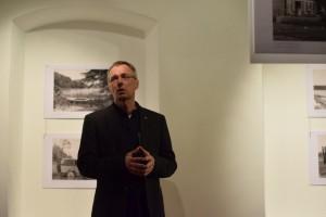 Ričardas Žičkus parodos atidarymo metu